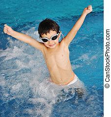 bleu, mignon, peu, piscine, garçon, eau, temps été, amusement, natation