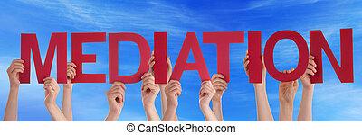 bleu, mot, gens, beaucoup, directement, médiation, ciel, tenant mains, rouges