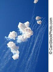 bleu, nuages, pétards, feux artifice, ciel, blanc