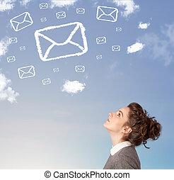 bleu, nuages, symbole, ciel, jeune regarder, courrier, girl