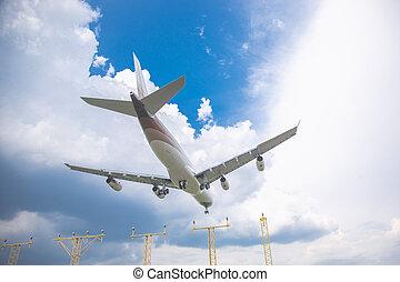bleu, passager, gros plan, ciel, contre, aéroport, avion, atterrissage