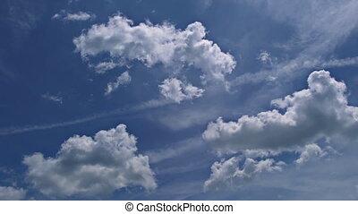bleu, pelucheux, nuages, ciel blanc
