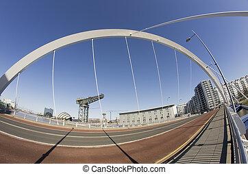 bleu, pont, utilisé, envergure, exposition, glasgow., repères, soleil, ciel, lentille, arrière-plan., riverfront, fisheye