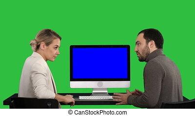 bleu, quel, maquette, moniteur, professionnels, display., écran, chroma, sur, écran, conversation, informatique, vert, key., réunion, avoir, autour de