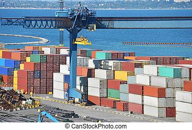 bleu, récipient cargaison, fond, sur, mer, grue, port