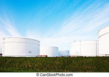 bleu, réservoir pétrole, essence, ciel, ferme, réservoirs, ...