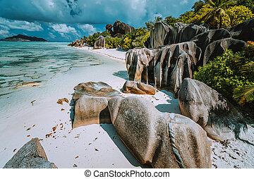 bleu, seychelles, digue, île, la, -, source eau, rochers, lagune, paradis, d'argent, bizarre, plage, anse