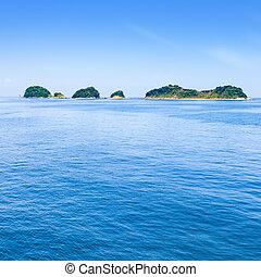 bleu, sky., baie, toba, mer, petit, îles, japan.