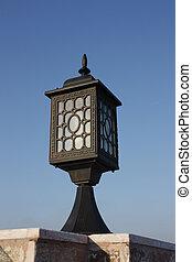 bleu, ville, vieux, vertical, ciel, isolé, lampe