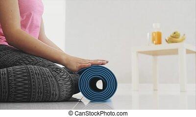 bleu, vivant, gros plan, femme, yoga, fonctionnement, room...