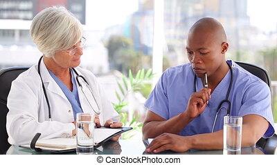 bloc-notes, sien, écriture, infirmière, sérieux