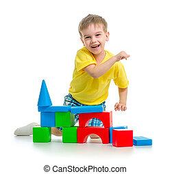 blocos, coloridos, isolado, feliz, tocando, criança