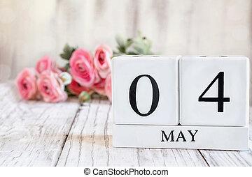 blocs, calendrier, 4ème, rose, mai, fond, ranunculus