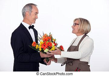 bloemen, aankoop, man