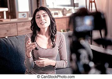 blogger, ビデオ, うれしい, 新しい, 作成