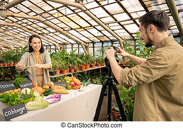 Blogger going on camera
