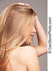 blon hair