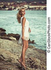 blond, délicat, girl, rochers