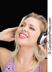 blond, femme, musique, joyeux, écoute