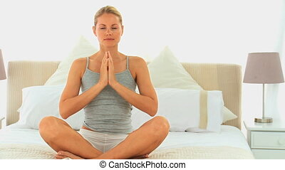 blond, femme, yoga, séduisant
