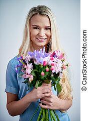 blond, fleurs