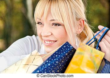 blond, mit, einkaufstüten