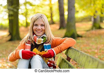 blond, séance, garez banc, adolescent, fille souriante