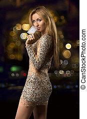 blonde, 女孩, 在上, the, 背景, bokeh, 带, 卡片, 为, 娱乐场