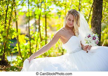 blonde bride wedding