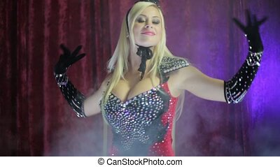 Blonde dressed in the style of burlesque HD