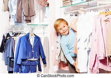 blonde , kleine, jongen, playa, verstoppertje, in, kleren