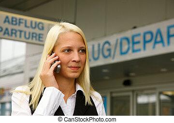 blonde , meisje, phoned, de, luchthaven, met, de, h