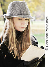 Blonde reading