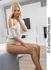 blonde, sensueel