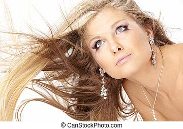blondin, med, flygande hår