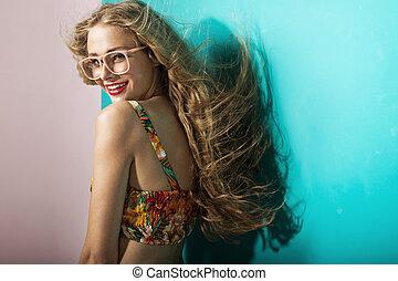 blondin, ung, le, öppen plats flå, kvinna