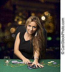 blonds, girl, dans, a, casino, poker jouant, bokeh