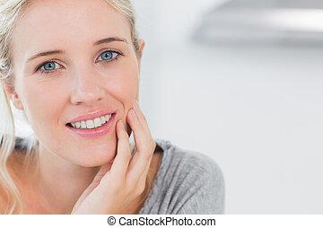 blondynka, kobieta, pociągający, uśmiechanie się