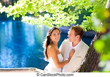 blu, abbraccio, amore, coppia, albero, foresta lago