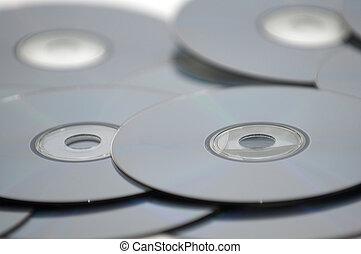 blu-rays, cds, o, dvds, pila