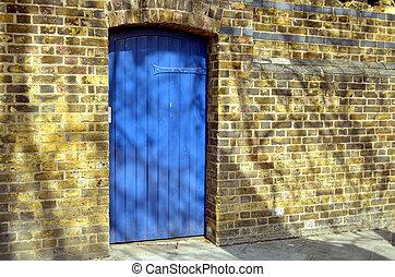 blu, vecchio, parete, porta, giallo