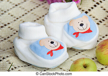 blue baby's bootees