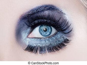 blue eye fashion makeup closeup macro winter black