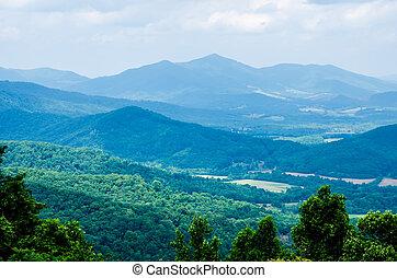 blue hegygerinc, nyugat virginia, scenics, mentén, parkosított széles főközlekedési út