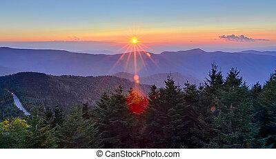 blue hegygerinc parkway, ősz, napnyugta, felett, appalachian hegy