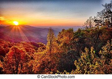 blue hegygerinc parkway, nyár, appalachian hegy, napnyugta