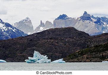 Grey Lake, Torres de Paine