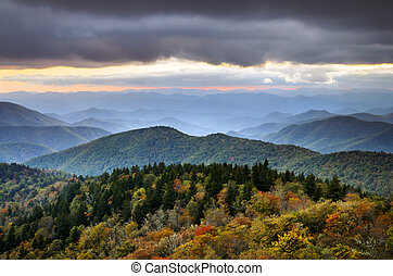 Blue Ridge Parkway Autumn Mountains - Blue Ridge Parkway...