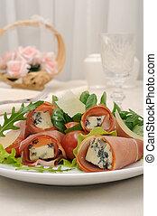 blue sajt, zöld, fejes saláta, jamon, parmezán, hengermű