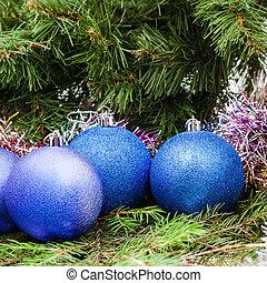 blue, violet Christmas balls, tinsel, Xmas tree 9